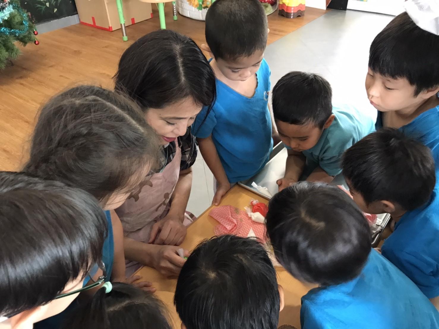 プノンペンの幼稚園で講習をしてきました!_e0177649_16011449.jpg