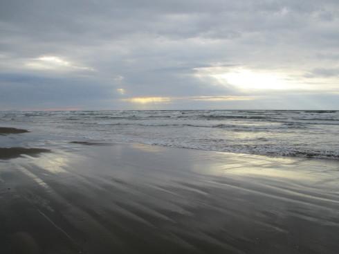 千里浜にて_e0002850_22235468.jpg