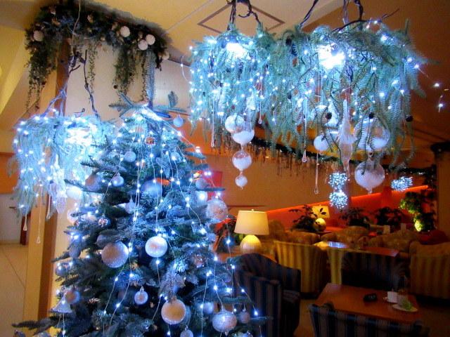 ①星降る森のクリスマス・2019 * 軽井沢 ホテルブレストンコート・館内装飾☆_f0236260_23531382.jpg
