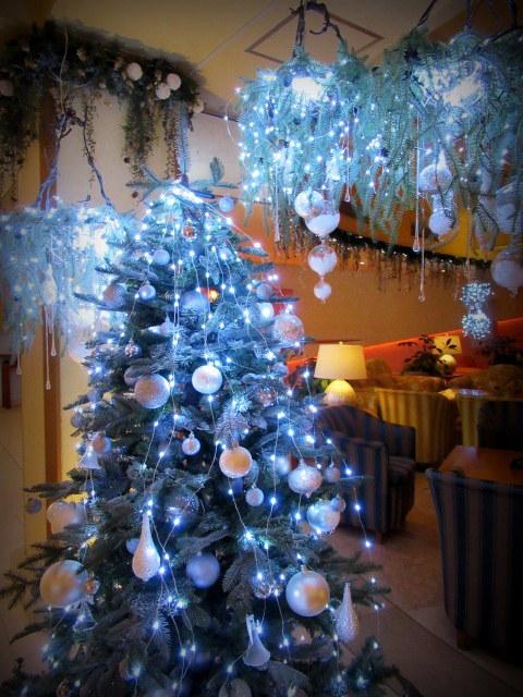 ①星降る森のクリスマス・2019 * 軽井沢 ホテルブレストンコート・館内装飾☆_f0236260_23535146.jpg