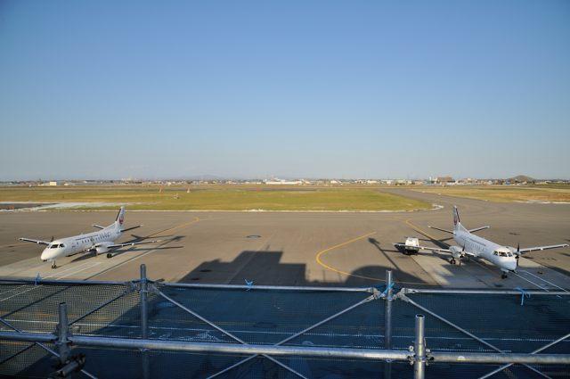 丘珠空港でSAAB340の並び_c0081462_09471503.jpg