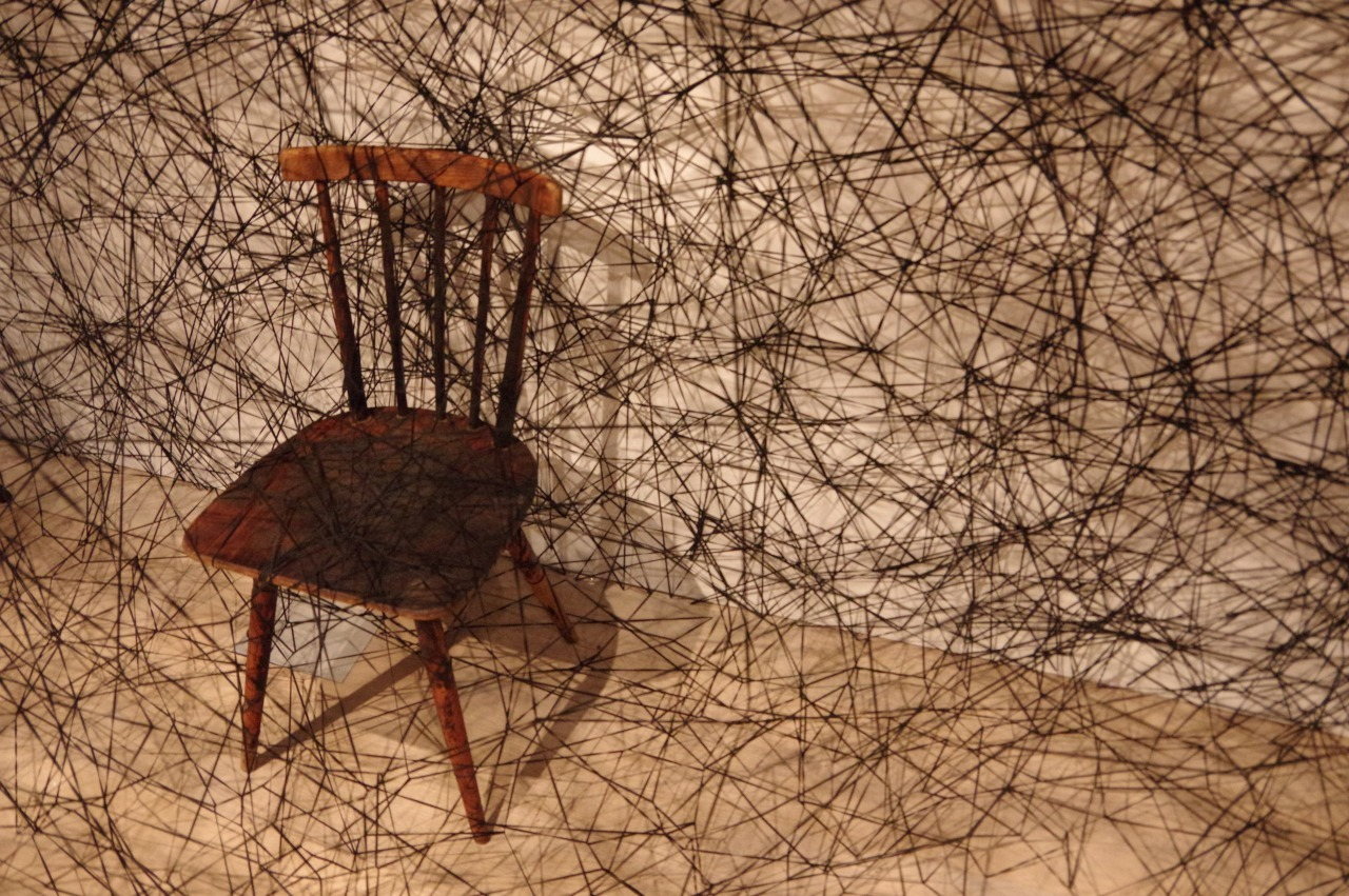 Shiota Chiharu: The Soul Trembles (Uncertain Journey/In Silence)_b0078188_18292886.jpg