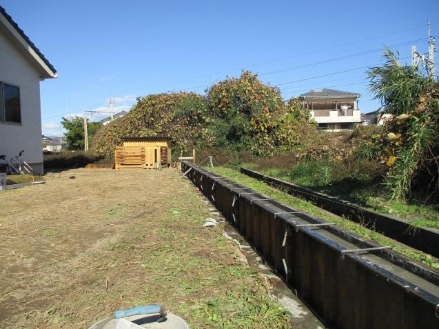 太田市でクローズド外構、エクステリア工事始まりました!_e0361918_16443546.jpg