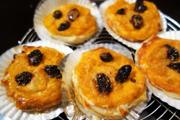 ■簡単なスイーツ【南瓜チーズパイ】市販のパイシートで簡単!!_b0033423_20335991.jpg