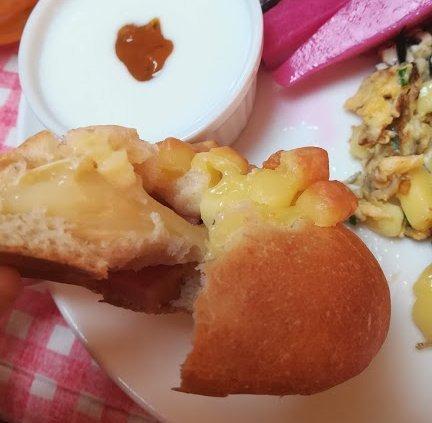 あま~い香りのクリームパンと、カマンベールチーズパン_b0149340_20521948.jpg