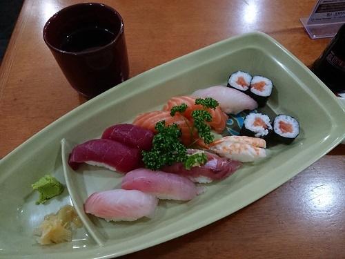サンパウロ日本人街でSUSHI SIMPLESⅠを食べた_c0030645_05250731.jpg