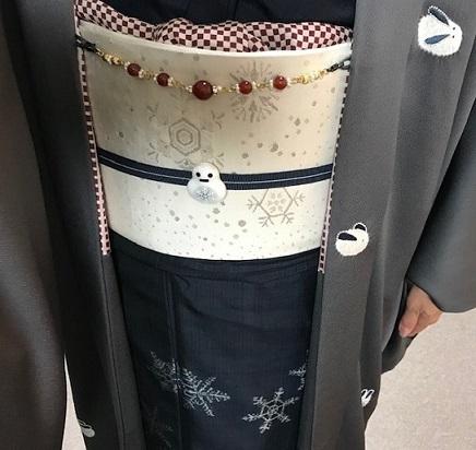 雪の結晶小千谷紬と兎の絞りと刺繍の羽織で仕入れへ。_f0181251_19214177.jpg