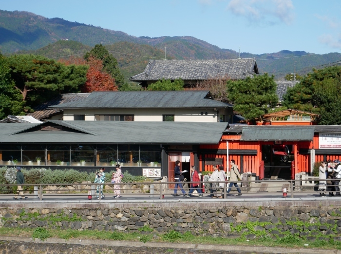 嵯峨・嵐山めぐり、2 嵐山  2019-12-04 00:00    _b0093754_14414156.jpg