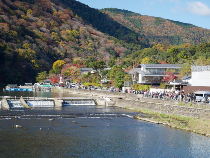 嵯峨・嵐山めぐり、2 嵐山  2019-12-04 00:00    _b0093754_15094575.jpg