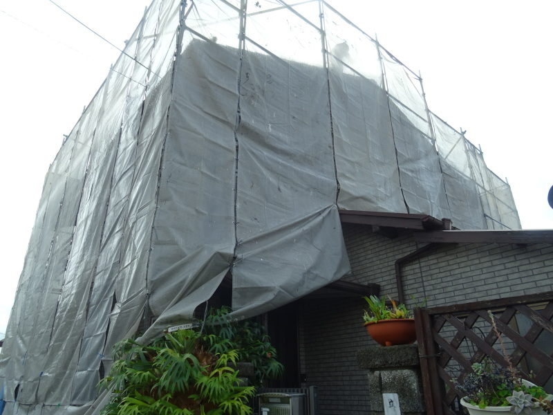 雨が止めば 我が家の改装工事は始まった_c0108460_13103245.jpg