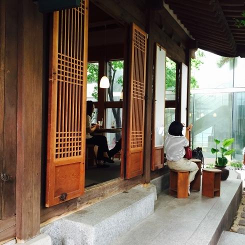 ひとりソウル旅 20 素敵な韓屋カフェ・・・Almost home cafe@安国駅_f0054260_10312281.jpg