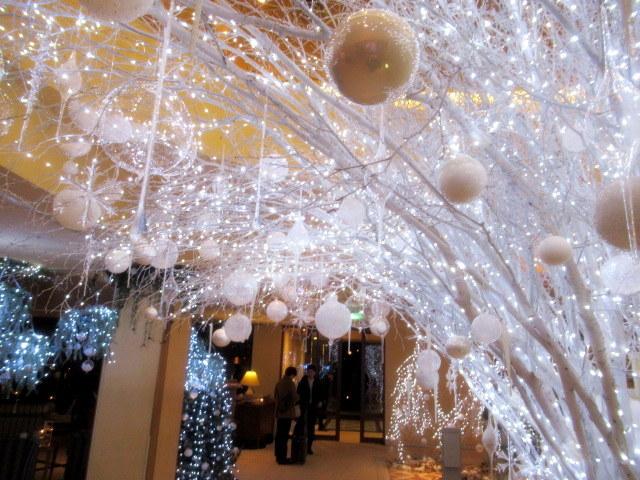 ①星降る森のクリスマス・2019 * 軽井沢 ホテルブレストンコート・館内装飾☆_f0236260_00032900.jpg