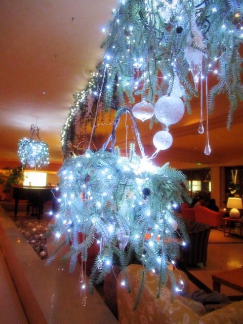 ①星降る森のクリスマス・2019 * 軽井沢 ホテルブレストンコート・館内装飾☆_f0236260_00043178.jpg