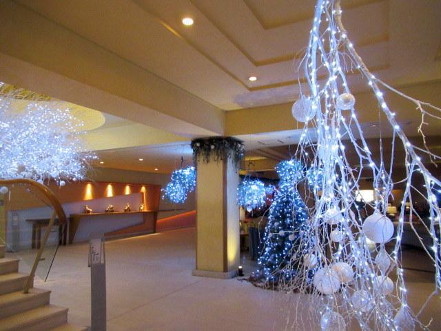 ①星降る森のクリスマス・2019 * 軽井沢 ホテルブレストンコート・館内装飾☆_f0236260_00065715.jpg