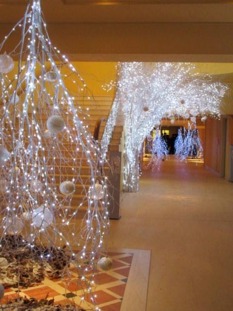 ①星降る森のクリスマス・2019 * 軽井沢 ホテルブレストンコート・館内装飾☆_f0236260_00071647.jpg
