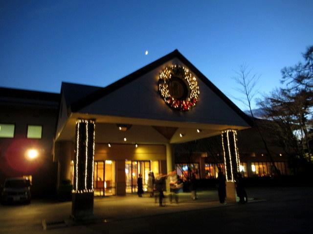 ①星降る森のクリスマス・2019 * 軽井沢 ホテルブレストンコート・館内装飾☆_f0236260_00074990.jpg