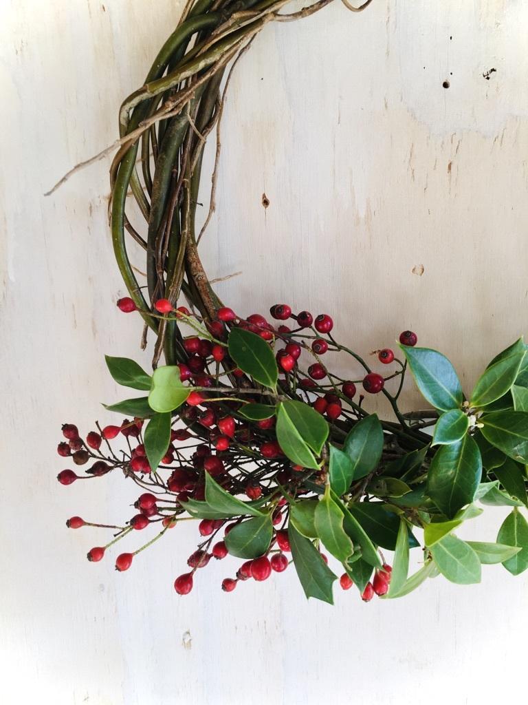 今年のクリスマス風リースは_c0334574_19255049.jpg