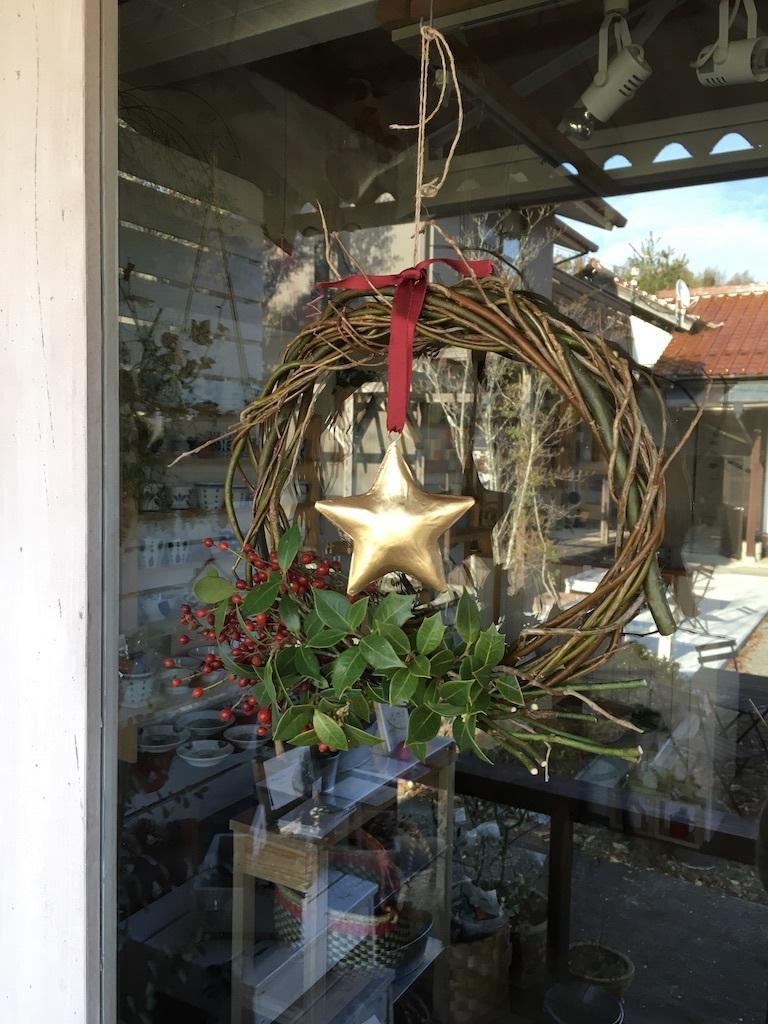 今年のクリスマス風リースは_c0334574_19280576.jpg