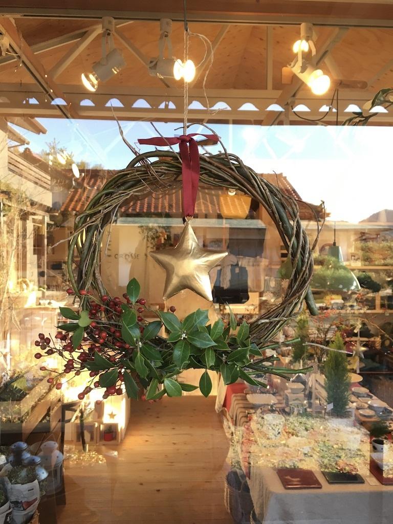 今年のクリスマス風リースは_c0334574_19284992.jpg