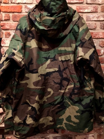 "2001 "" U.S ARMY \"" ECWCS - WOODLAND CAMO - GORE-TEX PARKA 2nd MODEL - mint condition - ._d0172088_19241916.jpg"