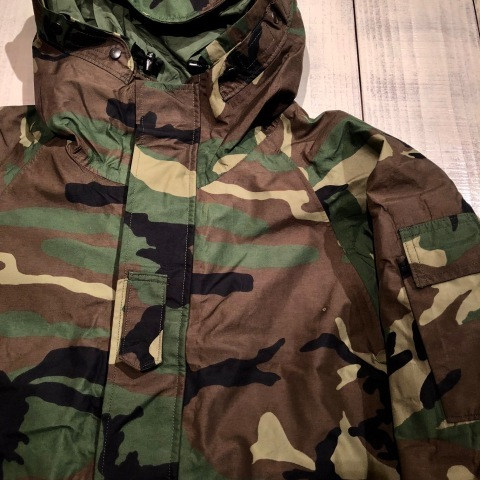 "2001 "" U.S ARMY \"" ECWCS - WOODLAND CAMO - GORE-TEX PARKA 2nd MODEL - mint condition - ._d0172088_22130621.jpg"