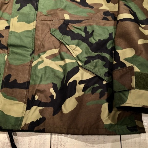 "2001 "" U.S ARMY \"" ECWCS - WOODLAND CAMO - GORE-TEX PARKA 2nd MODEL - mint condition - ._d0172088_22142850.jpg"