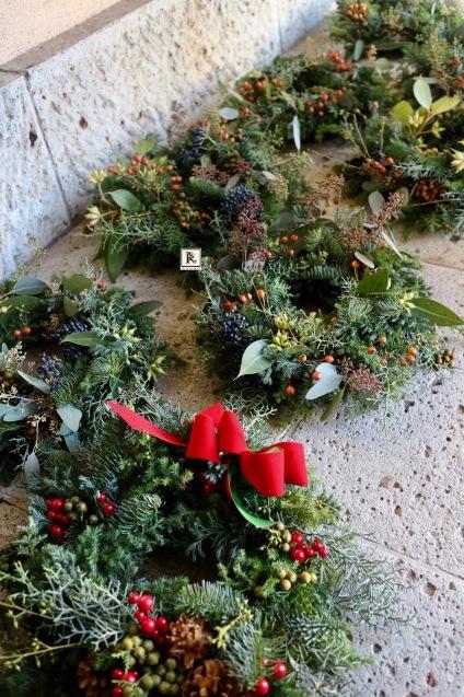 自然の恵み豊かなChristmas wreath_c0128489_18520446.jpg
