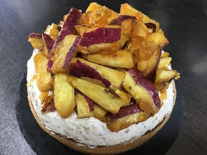 11月のケーキは タルト パターテ。_a0043492_23452526.jpg