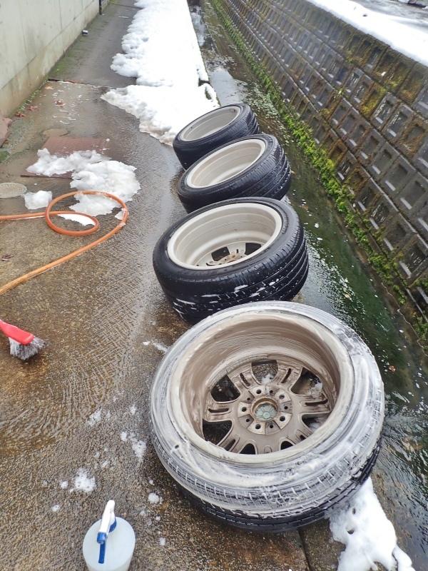 タイヤ交換は最後の一台でした!_c0336902_19131224.jpg