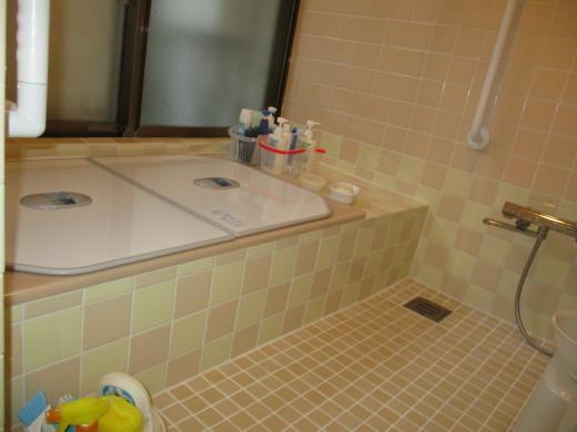 タイル貼りの浴室リフォーム_d0358411_18325748.jpg