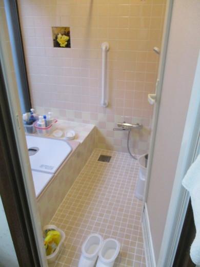 タイル貼りの浴室リフォーム_d0358411_18330732.jpg
