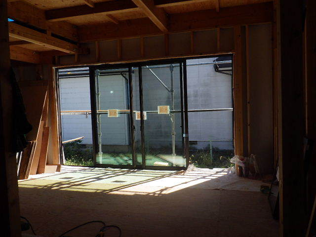 仙北町の家 大工工事が進行中です!_f0105112_05024887.jpg