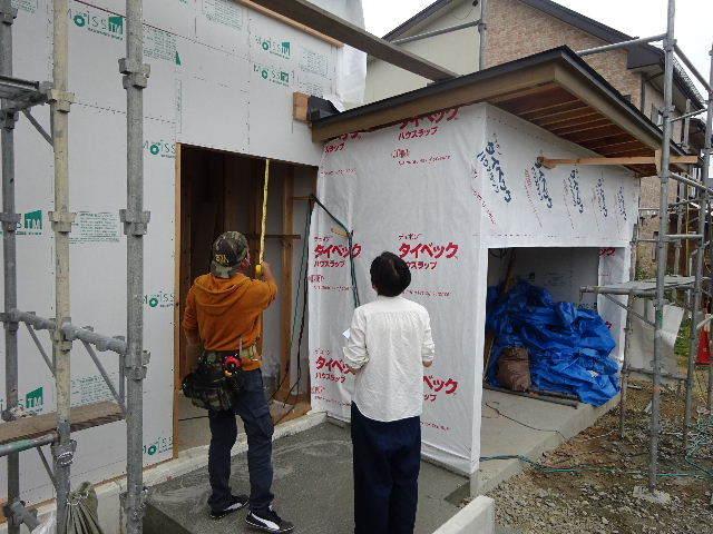 仙北町の家 大工工事が進行中です!_f0105112_05085574.jpg