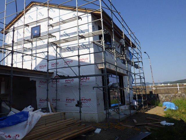 仙北町の家 大工工事が進行中です!_f0105112_05085639.jpg