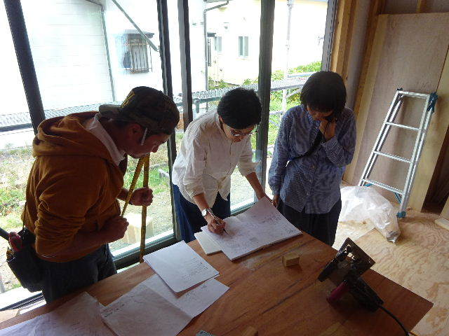 仙北町の家 大工工事が進行中です!_f0105112_05140661.jpg