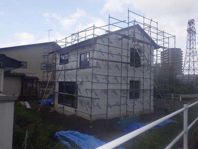 仙北町の家 大工工事が進行中です!_f0105112_05140689.jpg