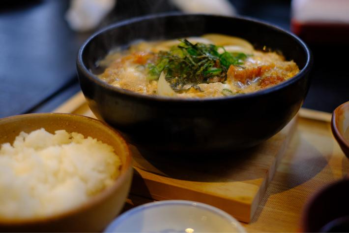 「島根・浜田 まる姫食堂 まる姫ポークのカツ煮定食」_a0000029_17513802.jpg