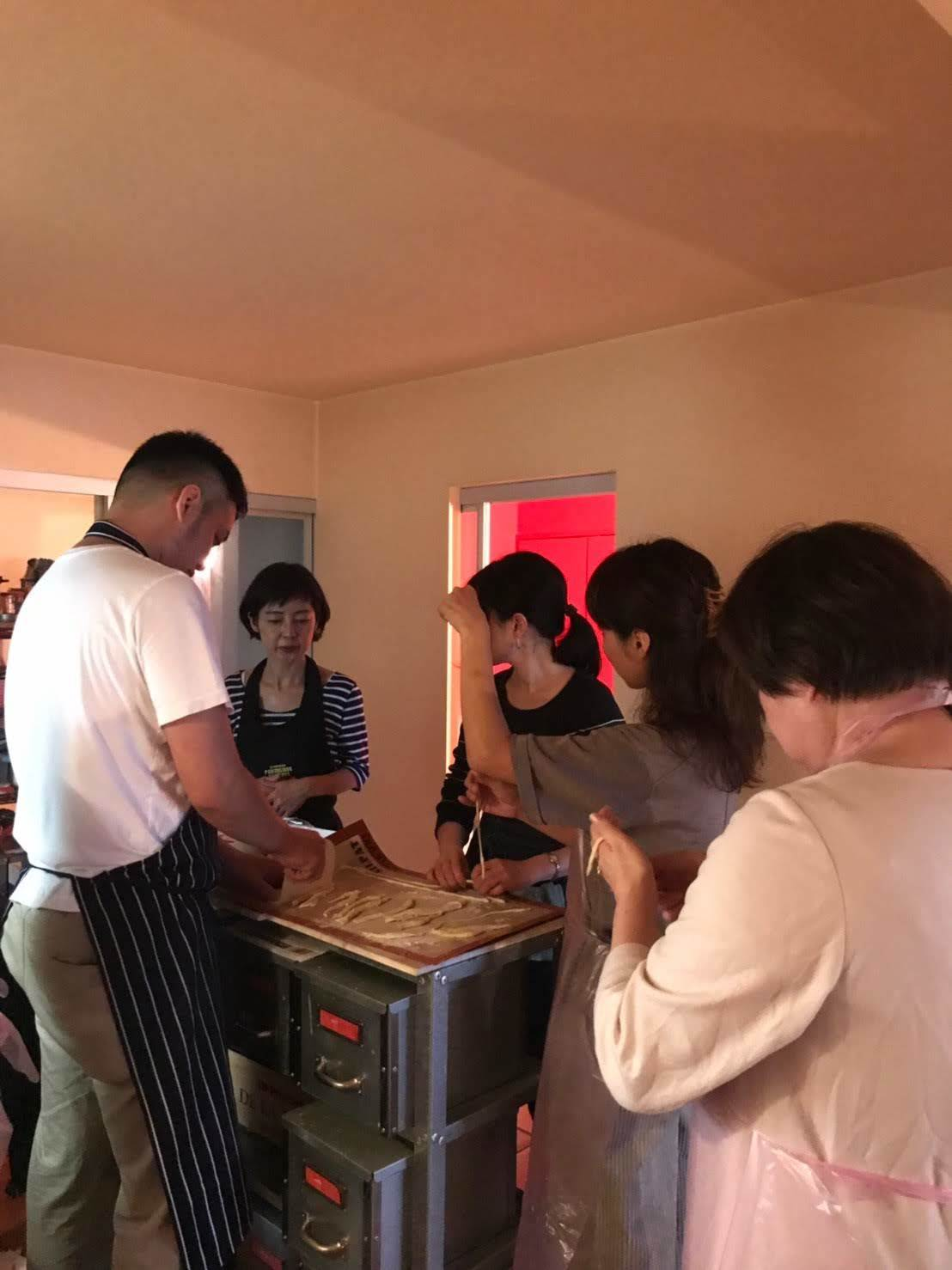 イタリアンのシェフによる、レアな手打ちパスタと肉料理レッスン開催しました_b0345136_00135575.jpg