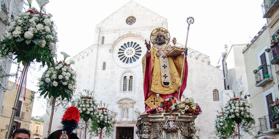 """12月6日は、バーリの守護聖人""""聖ニコラ""""の日_b0305039_17382922.jpg"""