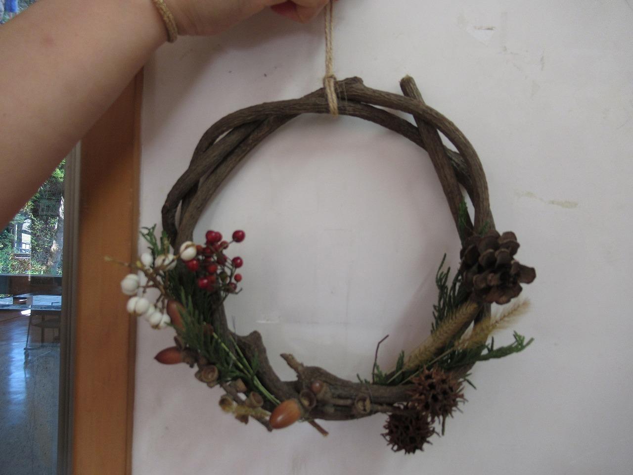 自然教室「自然の素材でクリスマスリースをつくろう」_f0361087_11542911.jpg