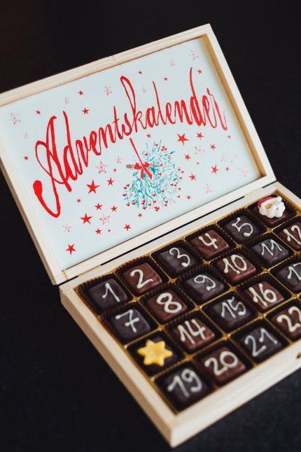 Advent Calendarで、クリスマスまでカウントダウン!_b0399290_04343936.jpg