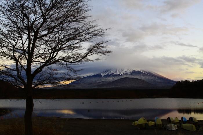 令和元年11月の富士 (23) 精進湖の夕暮れ時の富士_e0344396_18194724.jpg