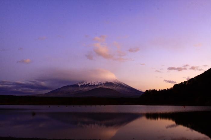 令和元年11月の富士 (23) 精進湖の夕暮れ時の富士_e0344396_18200324.jpg
