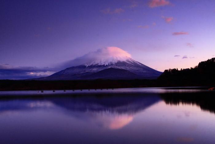 令和元年11月の富士 (23) 精進湖の夕暮れ時の富士_e0344396_18201015.jpg