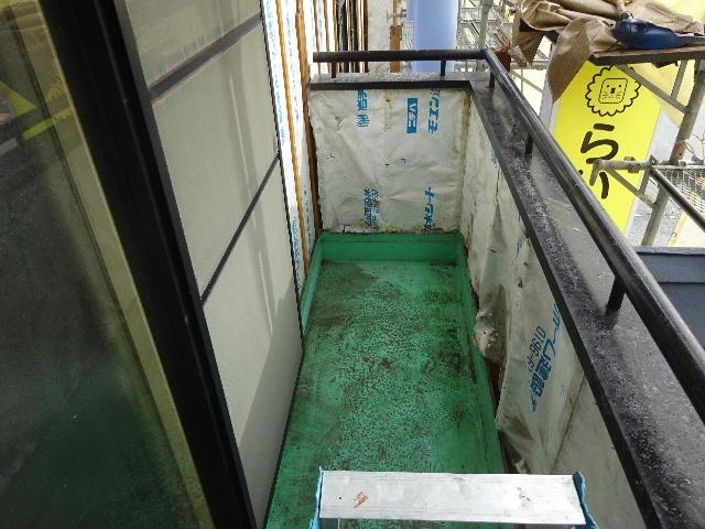 アパートの外装改修工事が始まりました!_f0105112_05040020.jpg