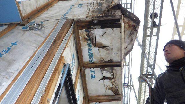 アパートの外装改修工事が始まりました!_f0105112_05091925.jpg