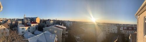 冬のアイスランド、日照はこんなに短い!_c0003620_01052029.jpeg