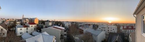 冬のアイスランド、日照はこんなに短い!_c0003620_01052168.jpeg