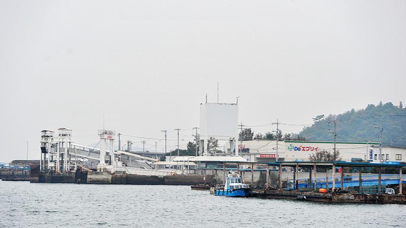 宇野港から高松港までフェリーでの船旅 ①_d0246136_00291076.jpg