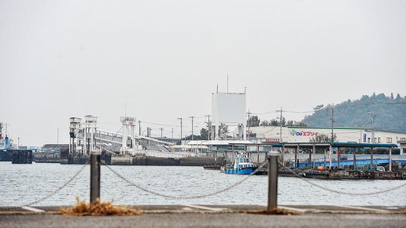 宇野港から高松港までフェリーでの船旅 ①_d0246136_00291953.jpg